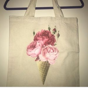🌙New🌙 Wildfox floral cone graphic tote bag